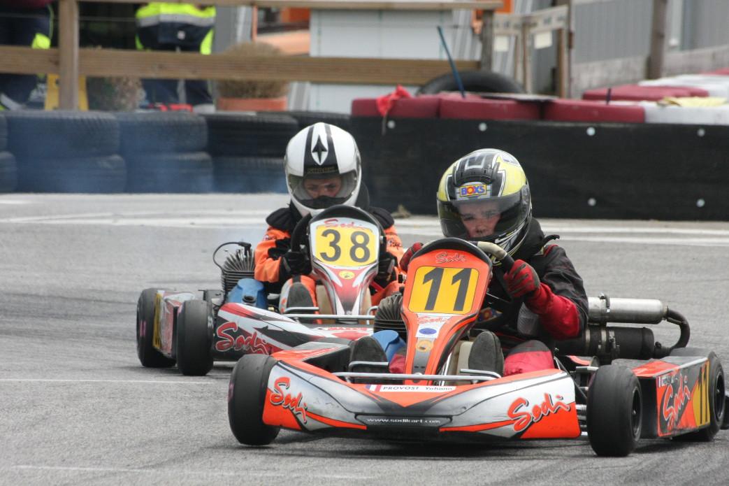 Piste de loisirs mécaniques karting à Pluméliau dans le Morbihan à 30 minutes de Lorient et 10 minutes de Pontivy